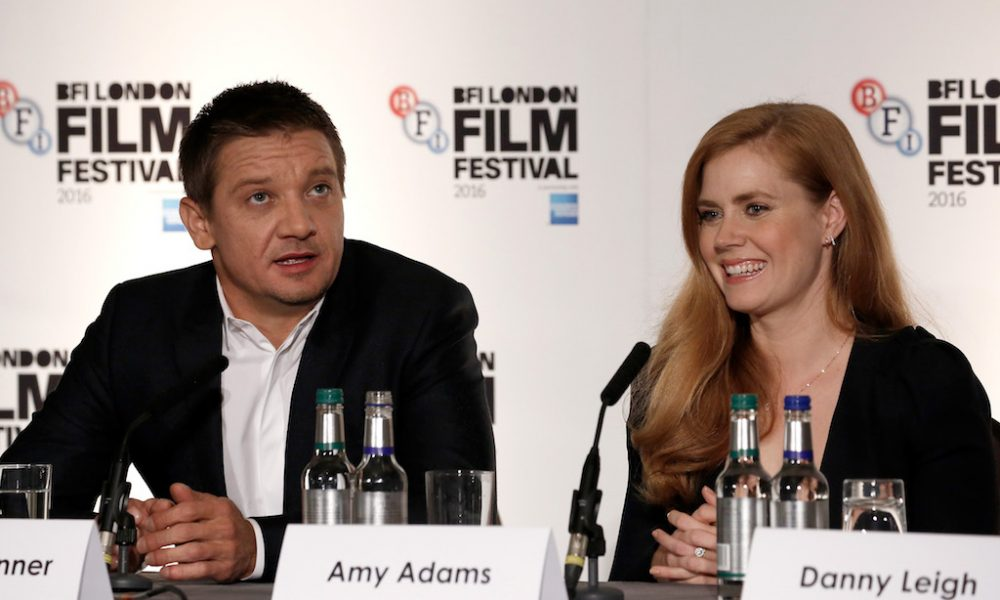 """Jeremy Renner and Amy Adams at the press conferecnce for 'Arrival"""" @theupcoming"""