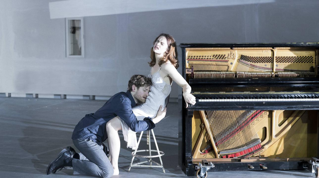 kyle_soller_and_ruth_wilson_in_hedda_gabler-2578x1450