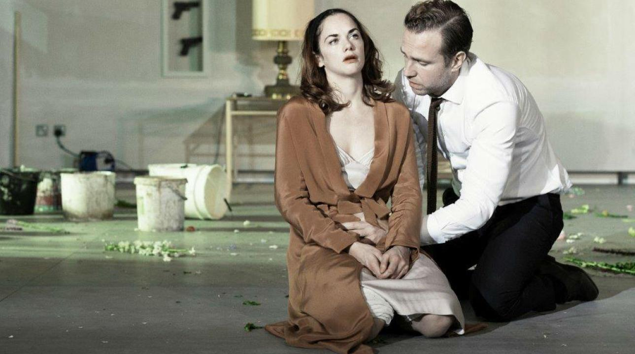 ruth_wilson_and_rafe_spall_in_hedda_gabler-1024x576