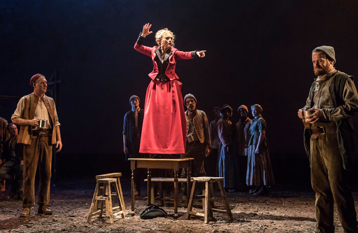 5537-Brian-Doherty-Graham-Anne-Marie-Duff-Mary-and-Ian-Lloyd-Anderson-Connor-in-Common-at-the-National-Theatre-c-Johan-Persson