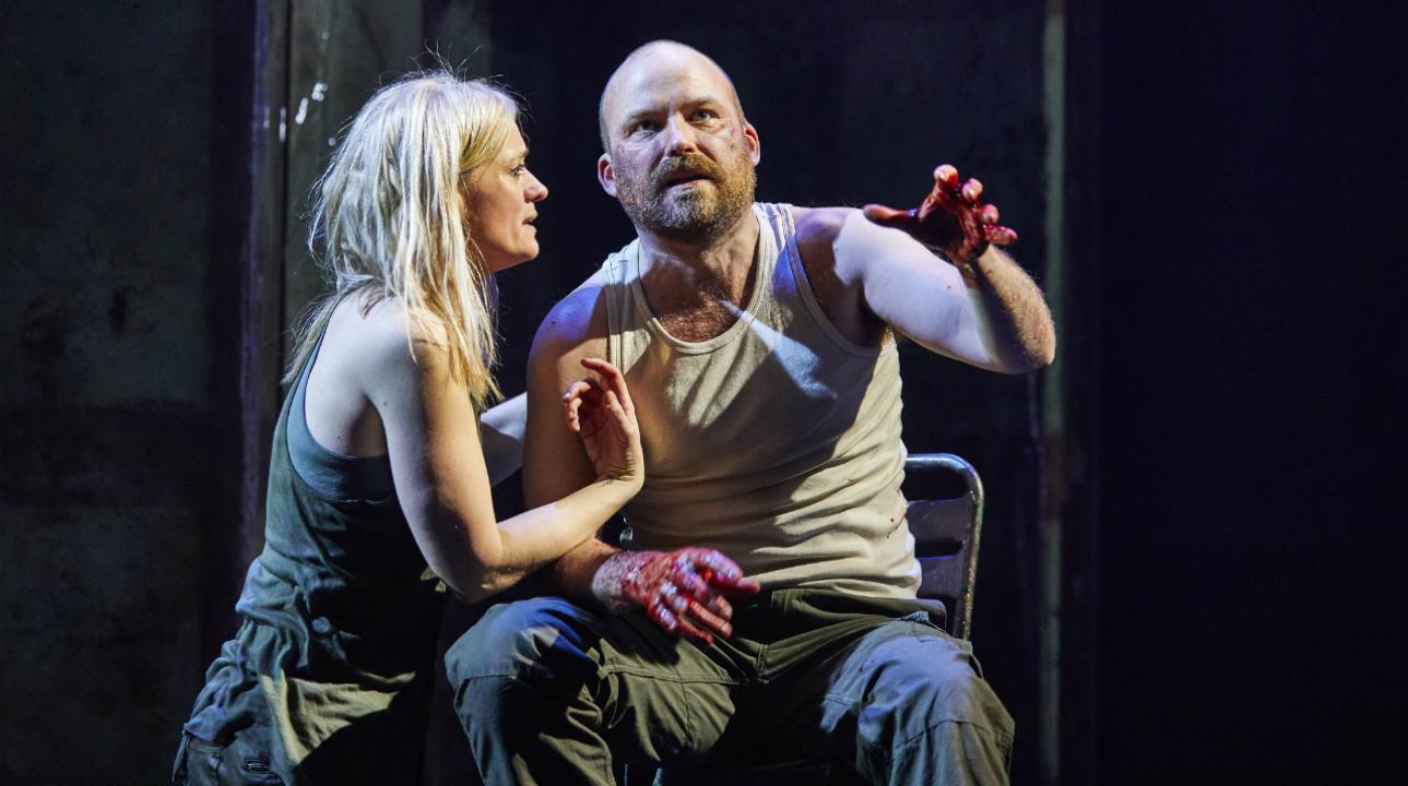 anne-marie_duff_as_lady_macbeth_and_rory_kinnear_as_macbeth_in_macbeth_at_the_national_theatre_c_brinkhoff_mogenburg_1002-0636