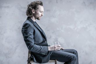 Том Хиддлстон в спектакле «Измена» в Лондоне ★★★★★
